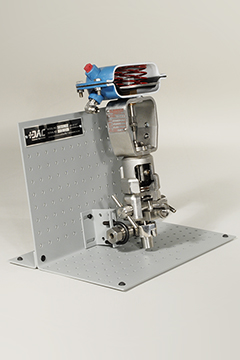 DAC Worldwide Sanitary Diaphragm Valve Cutaway, Stainless   273-410SS   Angle