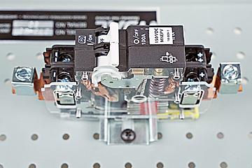 DAC Worldwide 100A, Single Pole Circuit Breaker Cutaway | 273-907 | Above