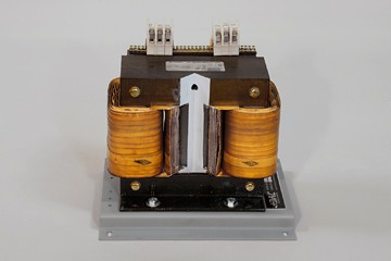 DAC Worldwide Three-Phase Transformer Cutaway | 273-915 | Front